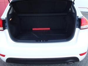 Kia Cerato 1.6 EX automatic 5-Door - Image 8