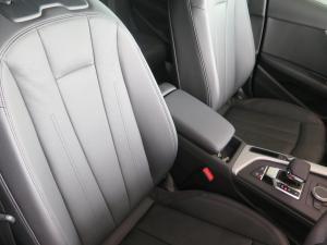 Audi A4 2.0 TDI Stronic - Image 13