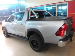 Toyota Hilux 4.0 V6 Raider 4X4D/C automatic - Image 3