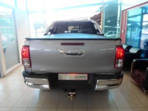 Toyota Hilux 4.0 V6 Raider 4X4D/C automatic - Image 4