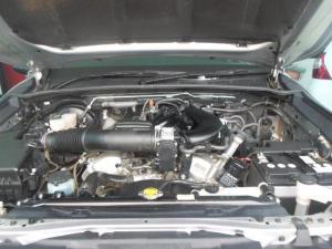 Toyota Hilux 4.0 V6 Raider 4X4D/C automatic - Image 8