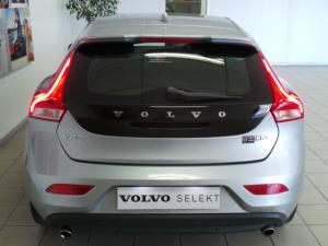 Volvo V40 D3 Momentum - Image 4