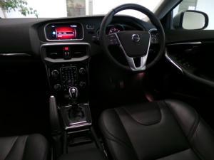 Volvo V40 D3 Momentum - Image 6