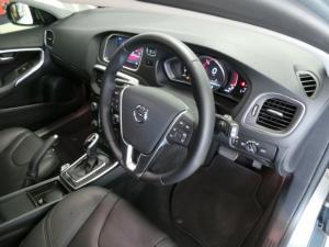 Volvo V40 D3 Momentum - Image 7