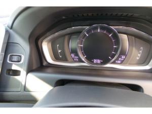 Volvo XC60 D4 R-Design - Image 11