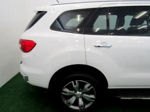 Ford Everest 3.2 Tdci LTD 4X4 automatic - Image 6