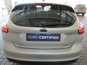 Ford Focus 1.0 Ecoboost Ambiente automatic 5-Door - Image 5