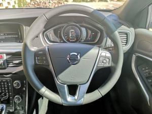Volvo V40 D3 Momentum - Image 10