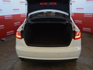 Audi A4 2.0 TDI SE - Image 7