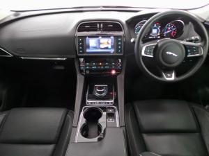 Jaguar F-Pace 35t AWD R-Sport - Image 7