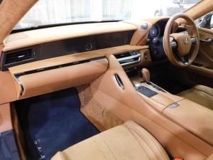 Lexus LC 500 - Image 16