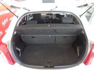 Toyota Yaris 5-door 1.3 XR - Image 7