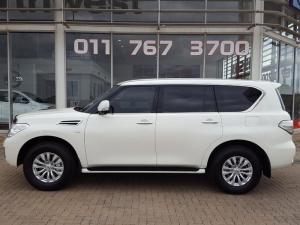 Nissan Patrol 5.6 V8 LE Premium - Image 2