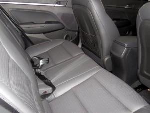 Hyundai Elantra 1.6 Executive - Image 15