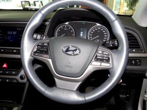 Hyundai Elantra 1.6 Executive - Image 22