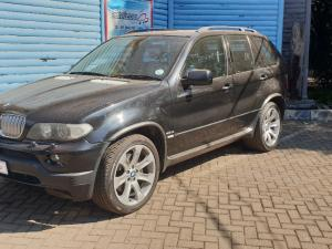 BMW X5 4.8iS automatic - Image 8