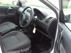Volkswagen Polo Vivo sedan 1.4 Trendline - Image 5