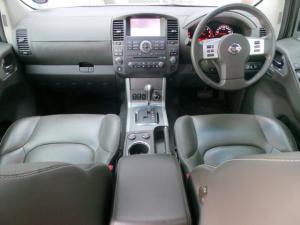 Nissan Pathfinder 3.0dCi V6 LE - Image 7
