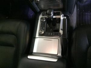 Toyota Landcruiser 200 V8 4.5D VX automatic - Image 6