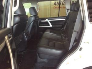 Toyota Landcruiser 200 V8 4.5D VX automatic - Image 7