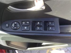 Kia Sportage 2.0 Crdi automatic - Image 13