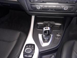 BMW 125i automatic 5-Door - Image 14