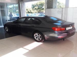 BMW 320i - Image 4