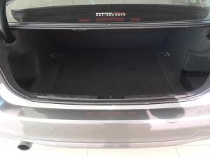 BMW 320i - Image 7