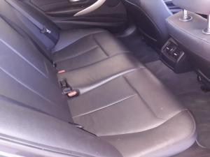BMW 320i - Image 8