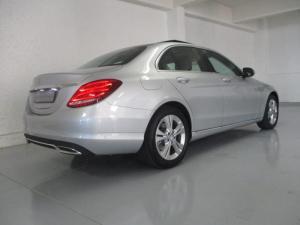 Mercedes-Benz C200 - Image 8