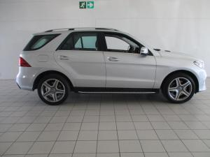 Mercedes-Benz GLE 400 4MATIC - Image 4