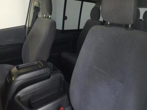 Toyota Quantum 2.7 10 Seat - Image 2