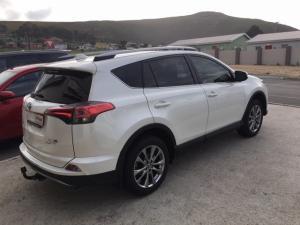 Toyota RAV4 2.2D-4D AWD VX - Image 6