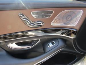 Mercedes-Benz S600 Maybach - Image 13