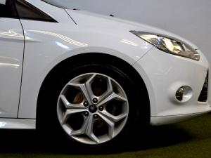 Ford Focus 2.0 GDi Trend Powershift - Image 16