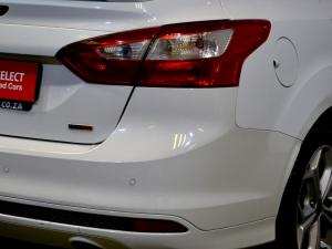 Ford Focus 2.0 GDi Trend Powershift - Image 20