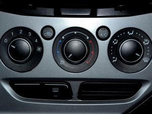 Ford Focus 2.0 GDi Trend Powershift - Image 26