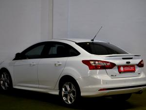 Ford Focus 2.0 GDi Trend Powershift - Image 3