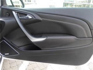Opel Astra 2.OT OPC - Image 8