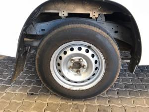 Toyota Hilux 2.4GD (aircon) - Image 17