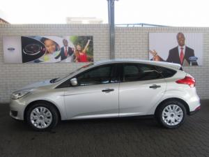 Ford Focus hatch 1.0T Ambiente auto - Image 3