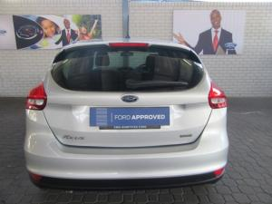 Ford Focus hatch 1.0T Ambiente auto - Image 5