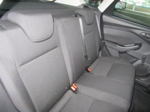 Ford Focus hatch 1.0T Ambiente auto - Image 7
