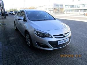 Opel Astra 1.4T Essentia 5-Door - Image 2