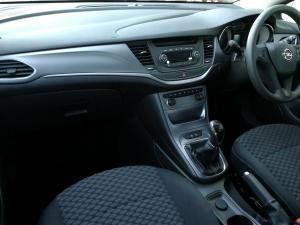 Opel Astra 1.0T Essentia - Image 6
