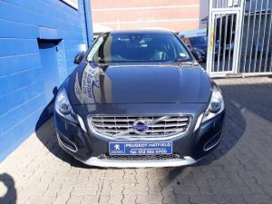 Volvo S60 D3 Excel Geartronic - Image 2