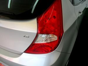 Hyundai Accent 1.6 Fluid 5-Door - Image 24