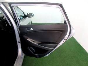 Hyundai Accent 1.6 Fluid 5-Door - Image 9