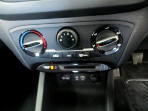 Hyundai i20 1.2 Motion - Image 18