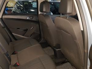 Opel Astra 1.6 Essentia - Image 10